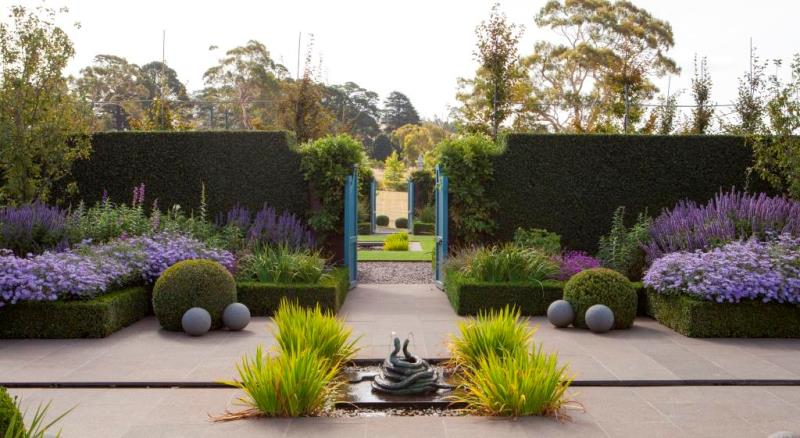 Book a private tour with stonefields creator paul bangay - What time does victoria gardens open ...